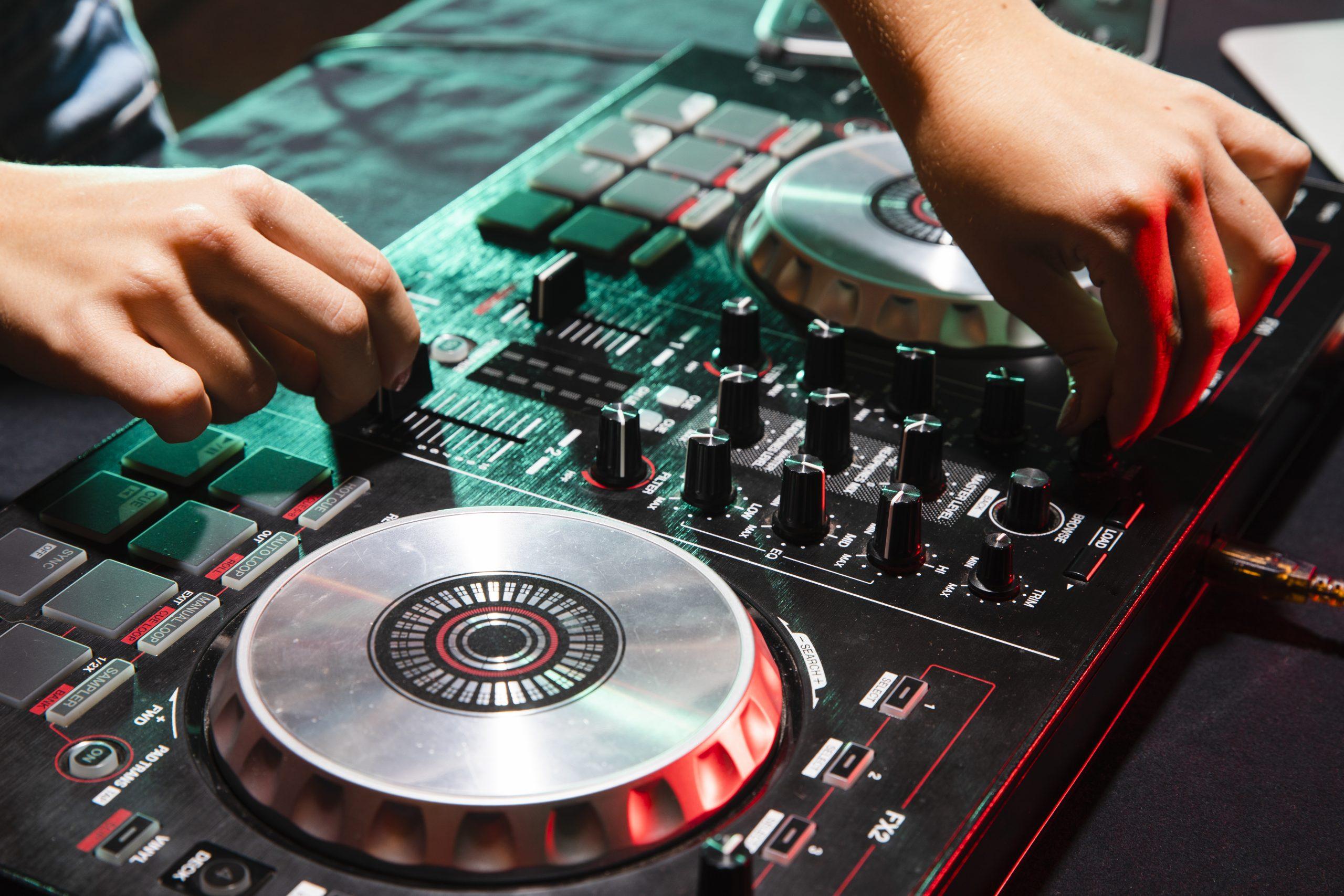 DJ CM